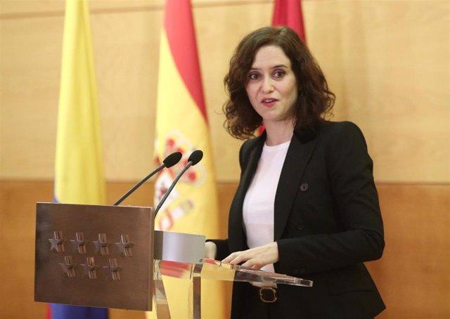 La presidenta de la Comunidad de Madrid, Isabel Díaz Ayuso, durante su discurso en el acto de homenaje a las víctimas del conflicto armado de Colombia, en la Real Casa de Correos de la Puerta del Sol, en Madrid a 27 de noviembre de 2019.
