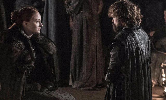 Tyron y Sansa en Juego de tronos
