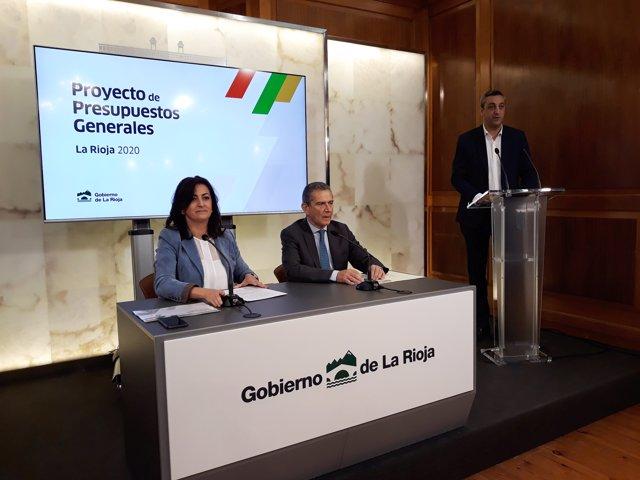 La presidenta del Gobierno, Concha Andreu, y el consejero de Hacienda, Celso González, explican presupuestos 2020