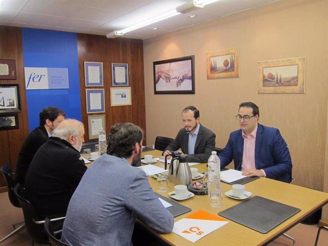 Ciudadanos La Rioja mantiene una reunión con la FER y la CEAT para explicar las medidas que impulsarán en el Pleno para mejorar el colectivo de autónomos