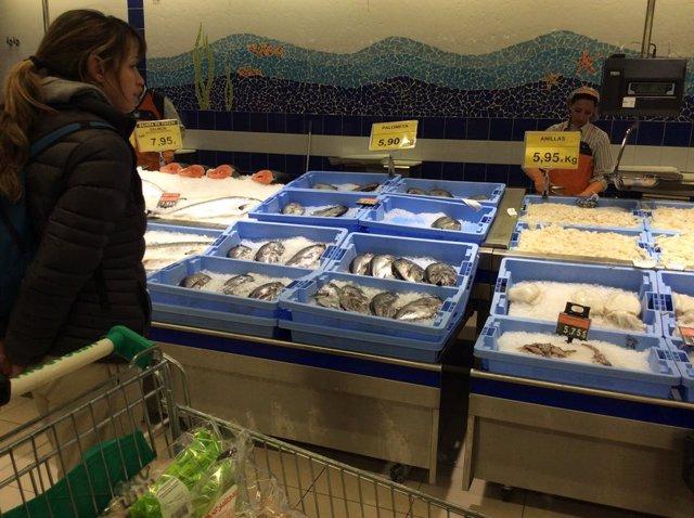 Preus, IPC, inflació, consum, peix, peixos, compra, compres, comprar, comprant, supermercat, mercat