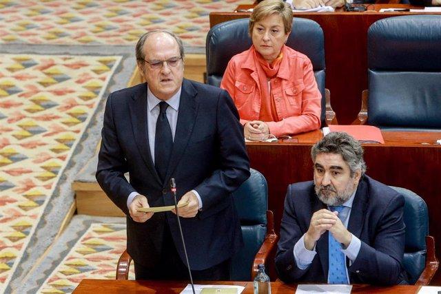 El portavoz del Partido Socialista en la Asamblea de Madrid, Ángel Gabilondo, interviene desde su escaño en una sesión plenaria en la Asamblea de Madrid (España), a 3 de octubre de 2019.