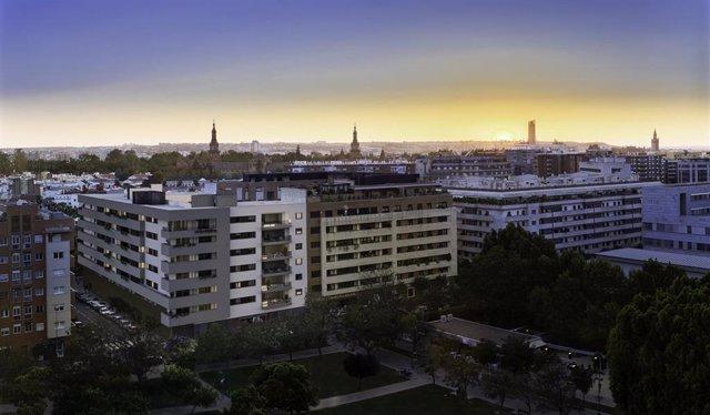 Residencial 75 Aniversario completa el último suelo libre urbano disponible en Ramón Carande, en donde Insur construye 48 viviendas personalizadas.