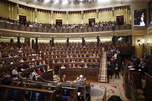 Vista del hemiciclo del Congreso de los Diputados durante la segunda votación para la investidura del candidato socialista a la Presidencia del Gobierno.