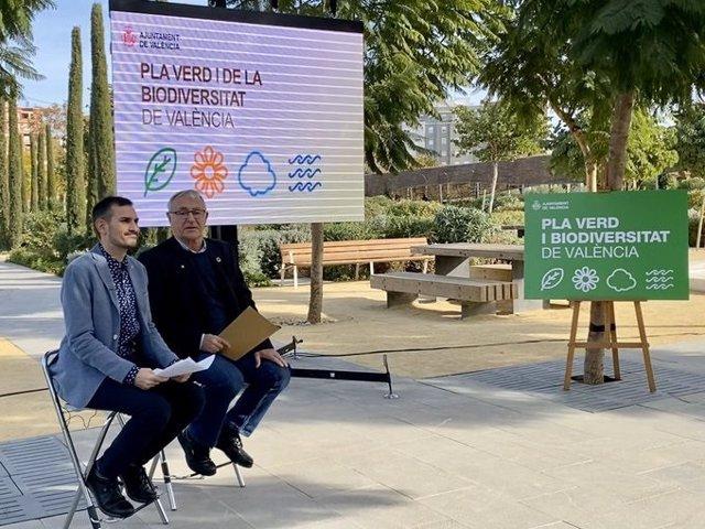 Presentación del Pla d'Infraestructura Verda i Biodiversitat de València 2020-2050 por parte del alcalde, Joan Ribó, y el vicealcalde Sergi Campillo
