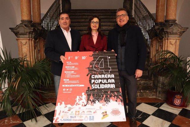 Cañete presenta el cartel de la carrera solidaria de 'Sonrisa de Lunares'