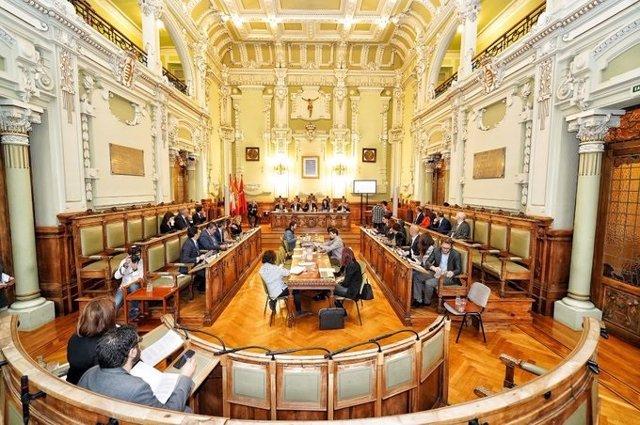 Pleno extraordinario en el Ayuntamiento de Valladolid.