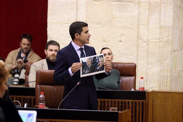 El portavoz parlamentario de Ciudadanos, Sergio Romero, en la sesión de control del Pleno del Parlamento.