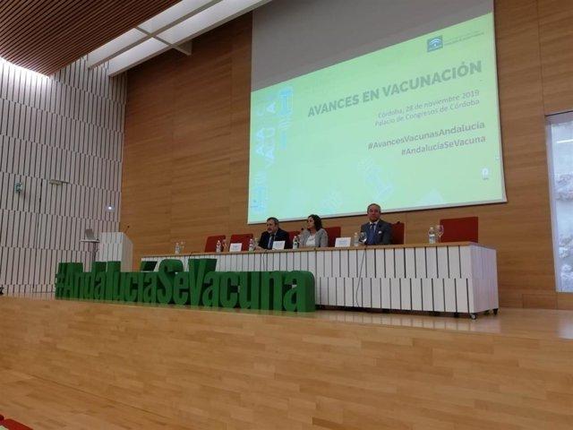 Autoridades en la inauguración de las jornadas 'Avances en Vacunas'