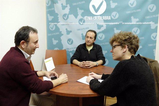 Ramón Velasco y Carlos Sanz  en una reunión con Virginia Hernández (TLP) para pedir apoyo para evitar la instalación de una macrogranja en el municipio vallisoletano de San Miguel del Arroyo.