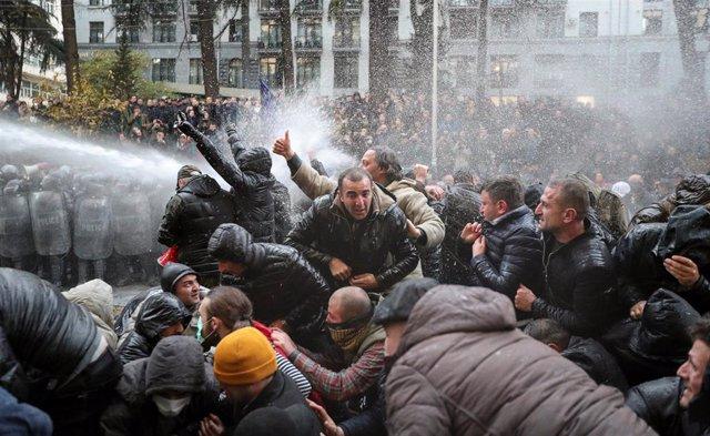 Protestas junto al Parlamento de Georgia