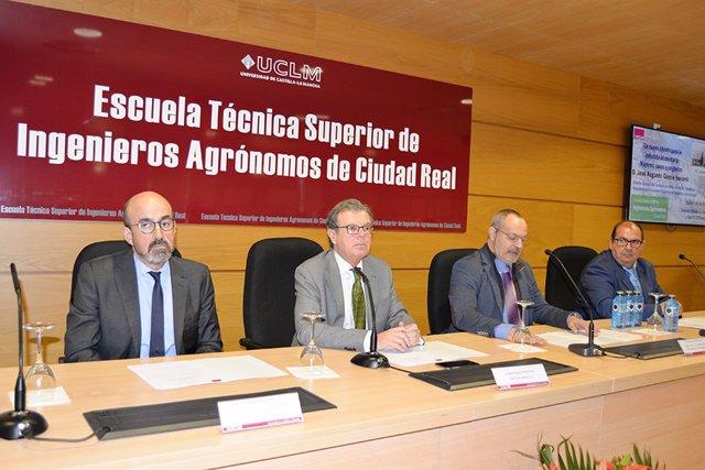 Uclm: El Presidente De La Sociedad Española De Geriatría Habla En La Uclm Del Peso De La Industria Agroalimentaria En El Envejecimiento Positivo