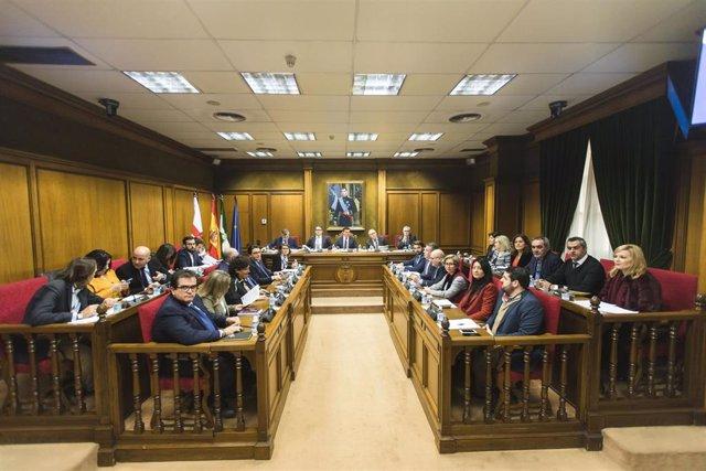 La corporación provincial durante el debate en el que se ha aprobado el presupuesto de Diputación para 2020