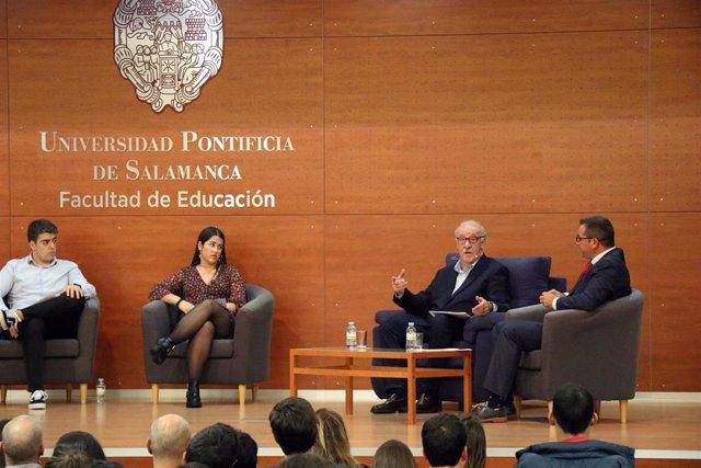 Intervención de Del Bosque en las jornadas de la UPSA.