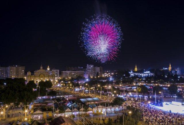 Espectáculo de fuegos artificiales clausuran la Feria de Abril 2019.