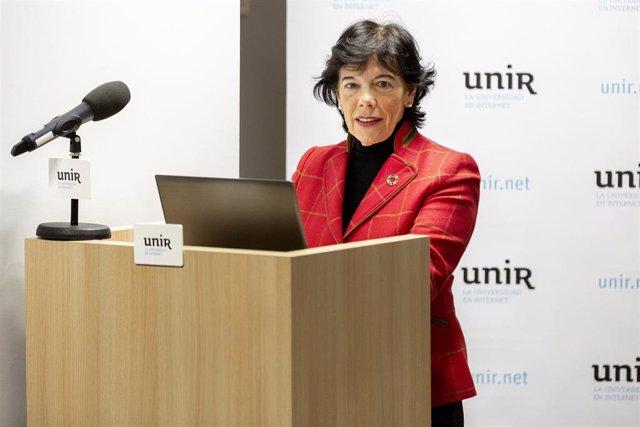 La ministra de Educación y Formación Profesional en funciones, Isabel Celaá, en la presentación informe del 'Empleo IT Mujer' elaborado por Infoempleo y UNIR.