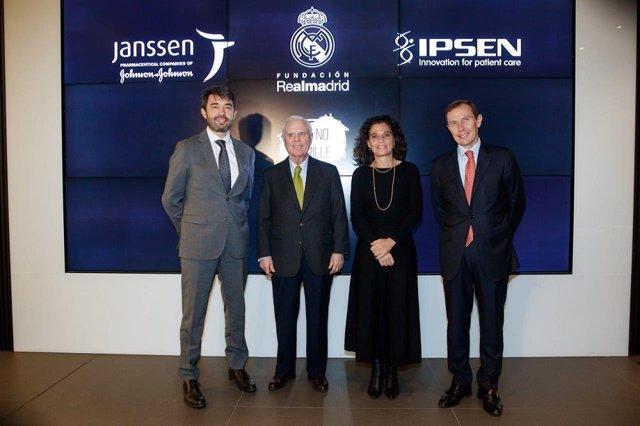 Firma del cuerdo de Janssen e Ipsen con la Fundación Real Madrid.
