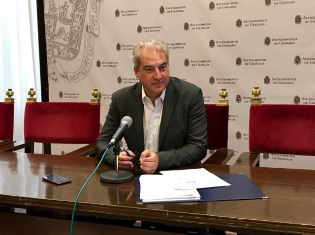El concejal de Derechos Sociales de Granada, José Antonio Huertas