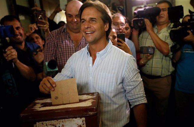 El candidato presidencial conservador uruguayo, Luis Lacalle Pou
