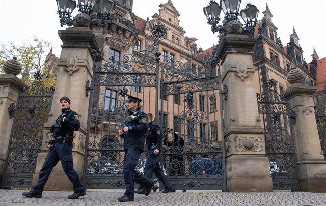 Policía de Alemania tras el robo de joyas en la Bóveda Verde del palacio de Dresde