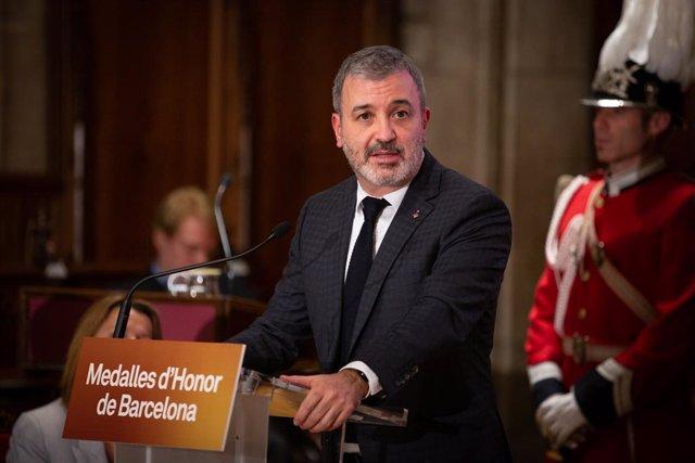 El primer tinent d'alcalde de l'Ajuntament de Barcelona, Jaume Collboni, durant la seva intervenció en l'acte d'entrega de les Medalles d'Honor de la ciutat de Barcelona, a Barcelona a 26 de novembre de 2019.