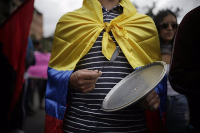 Un manifestantes en Bogotá.