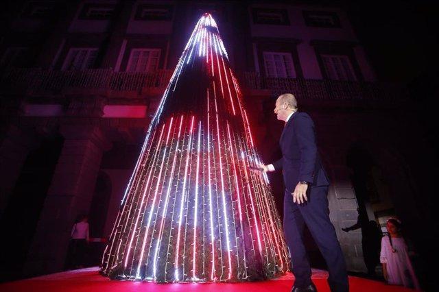 Árbol de Navidad en las Plaza de Santa Ana de Las Palmas de Gran Canaria