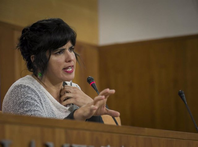 La coordinadora general de Podemos Andalucía y presidenta del grupo parlamentario Adelante Andalucía, Teresa Rodríguez, en una rueda de prensa. Foto de archivo