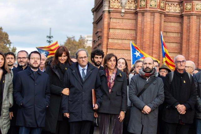 El presidente de la Generalitat Quim Torra, junto a otros miembros del Govern, en Barcelona /Catalunya (España), a 18 de noviembre de 2019.