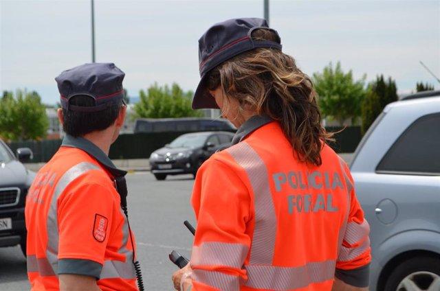 Agentes de la Policía Foral.