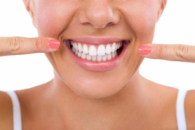 Dentadura, dientes, sonrisa.