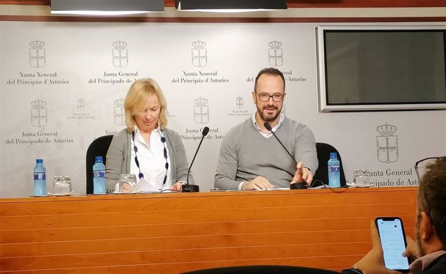 Los diputados de Vox  Sara Álvarez e Ignacio Blanco.
