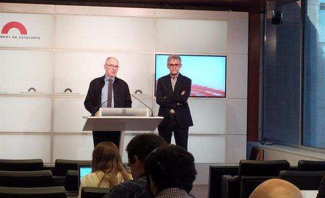 El síndic Rafael Ribó i l'adjunt general Jaume Saura en roda de premsa al Parlament
