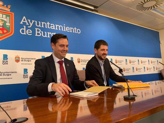 Daniel De la Rosa, alcalde de Burgos y David Jurado, concejal de Hacienda.