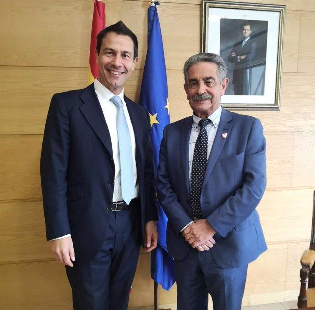 Revilla con el director de XPO Logistics en España, Portugal y Marruecos