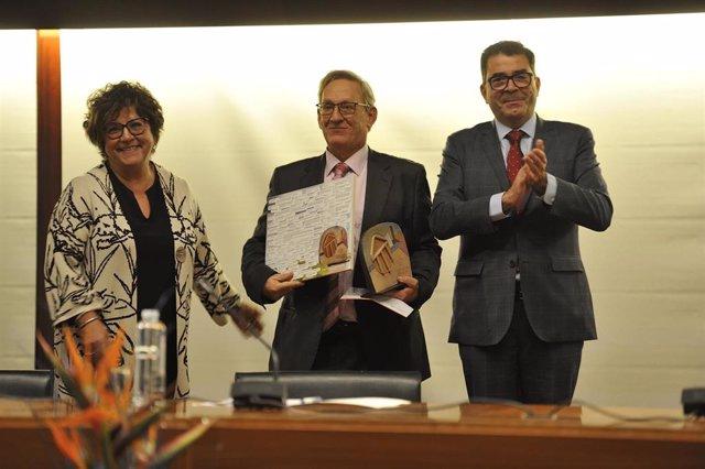 Carlos Ventura recoge el XI Premio de la Fundación esPublico.
