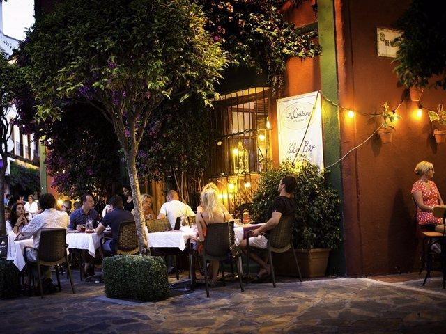 Turismo.- Los afiliados a la Seguridad Social en turismo crecen en Andalucía un 1% en septiembre y superan los 300.000