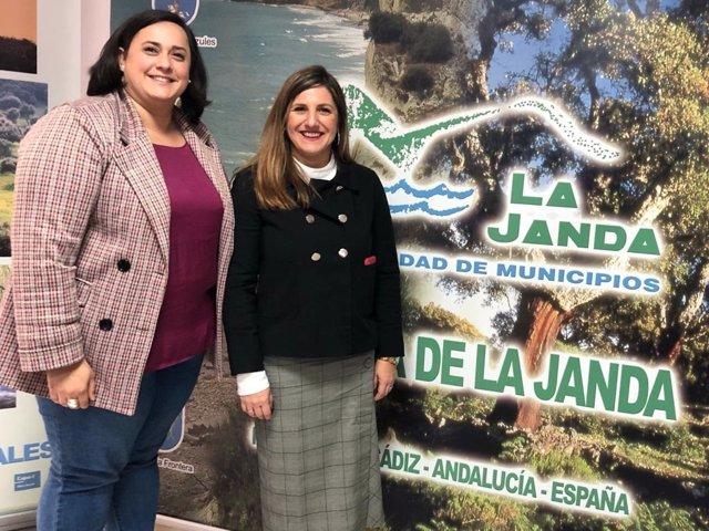 La presidenta de la Diputación con la presidenta de la Mancomunida de La Janda