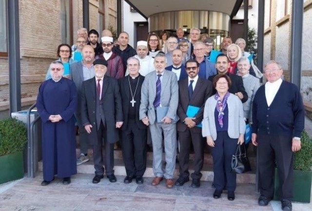 Más de 40 representantes de religiones con presencia en Málaga se reúnen y se comprometen con el diálogo interreligioso
