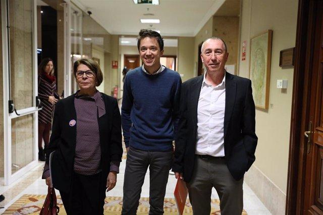 (I-D) La diputada de Más País en el Congreso por Madrid, Inés Sabanés; el diputado de MásPaís en el Congreso por Madrid, Íñigo Errejón; y el diputado de Más País en el Congreso por Valencia, Joan Baldoví