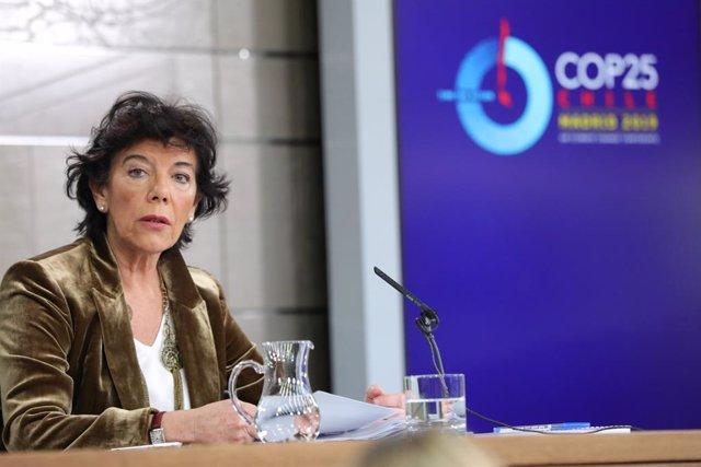 La ministra Portaveu, i d'Educació i Formació Professional en funcions, Isabel Celaá, compareix davant dels mitjans de comunicació, després de la reunió el Consell de Ministres a la Moncloa, a Madrid (Espanya), 29 de novembre del 2019.