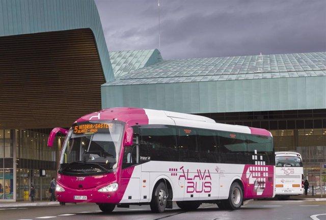 Un autobus foral en la estación de vitoria