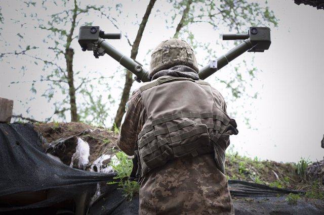 Un soldat d'Ucraïna durant el conflicte amb els separatistes prorussos a l'est del país