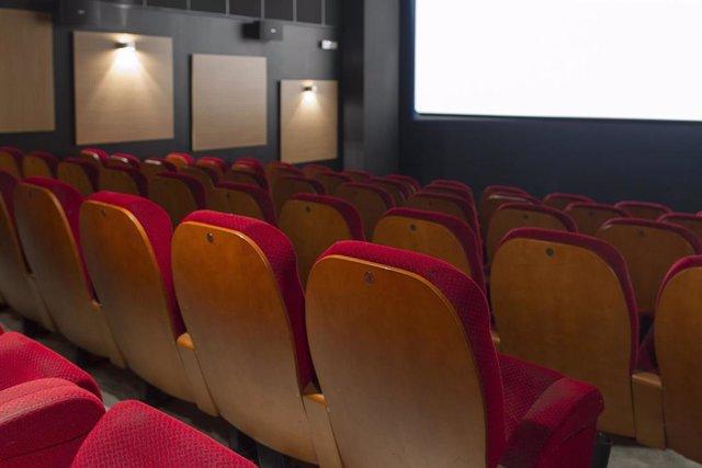 Cine, cines, butaca, butacas, taquilla, entrada, entradas, película, películas, exhibición, proyector de cine, cinematografía, espectador, espectadores (archivo)