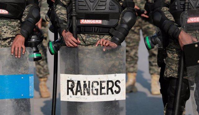Miembros de los Rangers de Pakistán