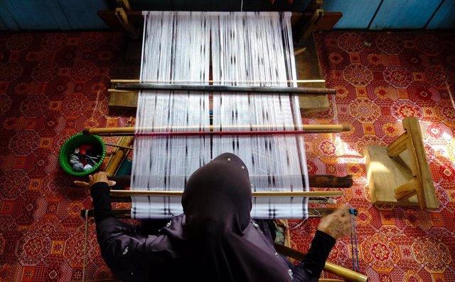 Técnica 'batik' de tratamiento de tejidos
