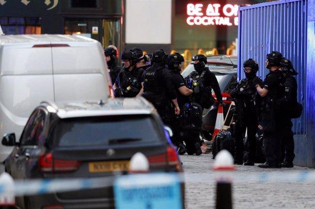 Imagen del operativo policial cerca del Puente de Londres