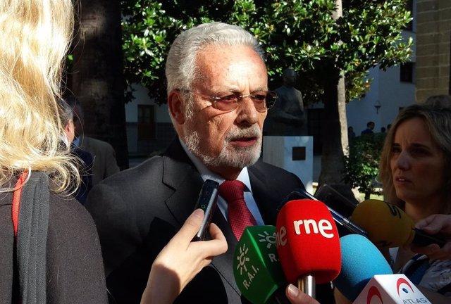 El Defensor del Pueblo Andaluz, Jesús Maeztu, en el Parlamento andaluz, en una imagen de archivo
