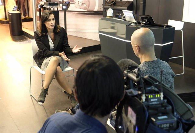 Gema Igual entrevistada por una televisión japonesa