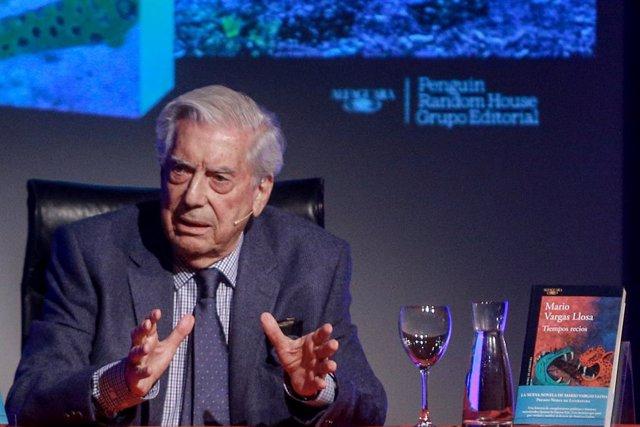 """México.- Vargas Llosa advierte de que el """"populismo"""" de López Obrador puede cond"""